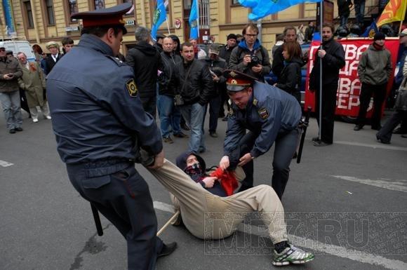 Задержание активистов ДСПА и анархистов у БКЗ (фоторепортаж): Фото