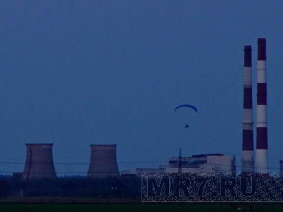 В небе над Петербургом летали парапланы: Фото