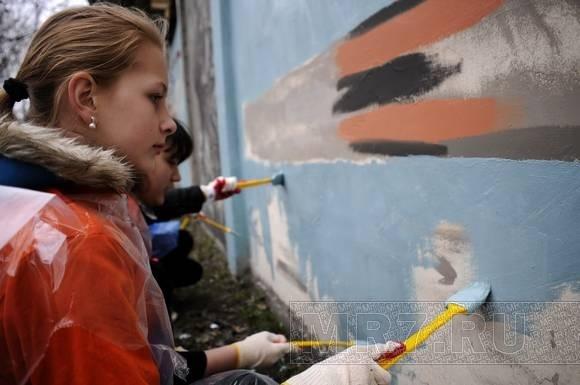 На Петроградской стороне художники рисовали Победу: Фото