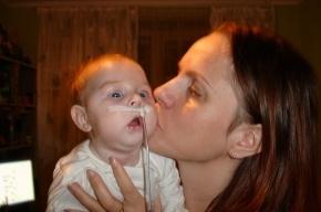 В Петербурге спасают маленькую девочку, жизнь которой висела на волоске еще до рождения