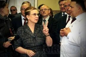 Вице-губернатор Людмила Косткина осмотрела социальные объекты Петродворцового района