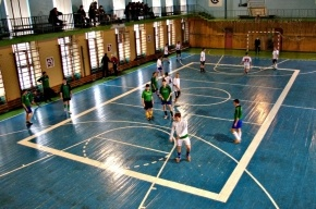 Сейчас проходят финальные игры по минифутболу среди детдомовцев