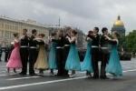 На Дворцовой площади состоялся массовый выпуск суворовцев, нахимовцев и кадетов: Фоторепортаж