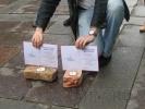 Фоторепортаж: «Главу Госстройнадзора Петербурга наградили кирпичом»