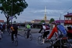 Фоторепортаж: «В Петербурге прошел велопробег «Белые Ночи» (фоторепортаж)»