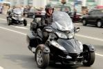 Фоторепортаж: «Тысячи байкеров проехали по Невскому проспекту»