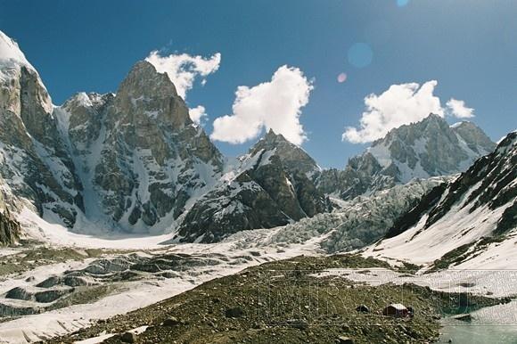 Русские альпинисты покорили самую непроходимую стену мира: Фото