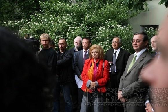 В Петербурге открылась скульптура ирландского поэта Томаса Мура: Фото