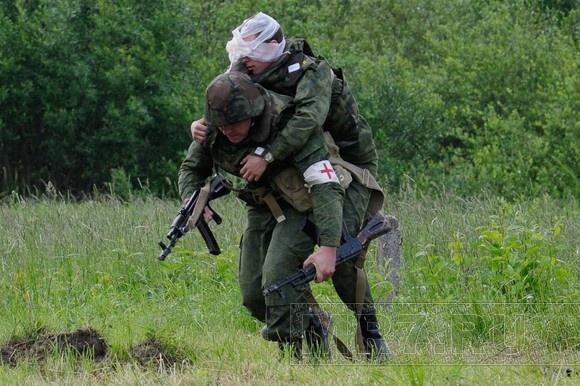 Военные медики отрабатывали мастерство в Красном Селе: Фото