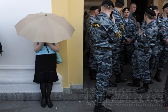 «Стратегия-31»: Более 100 задержанных в Москве и Петербурге: Фото