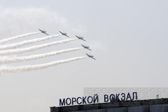 Летчики группы «Русь» показали петербуржцам высший пилотаж: Фото