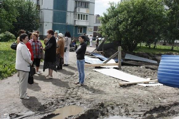 «Зелёный бунт» на Камышовой улице: Фото