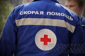 В Москве микроавтобус упал с моста: пострадали трое