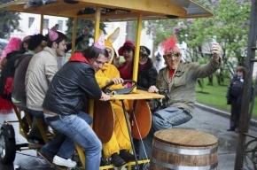 Пивной велосипед замечен в Петербурге