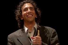 Саксофониста из Чикаго наградили пасхальным яйцом