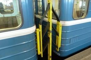 В петербургском метро ходят составы с необычными устройствами
