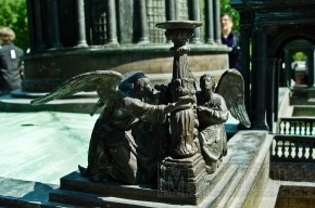 Ангелам Исаакиевского собора сделают рентген крыльев