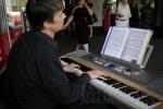 Фоторепортаж: «У метро «Волковская» прошел фортепианный концерт»