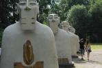 На Елагином острове появились гигантские мексиканские бюсты: Фоторепортаж