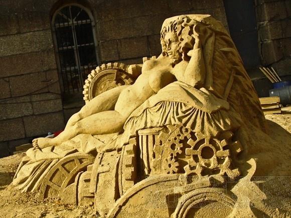 Скульптуры из песка на Заячьем острове: фоторепортаж: Фото