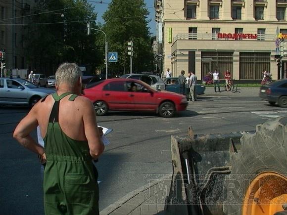 В ДТП с трактором повреждены три авто: Фото