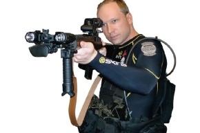 Норвежского стрелка Андерса Брейвика уличили в плагиате