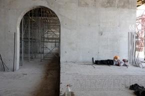 Почему стадион на Крестовском так долго и дорого строят
