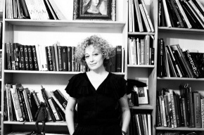 Историк моды Марина Скульская: длина юбок – это вопрос моды, а уж никак не политиков