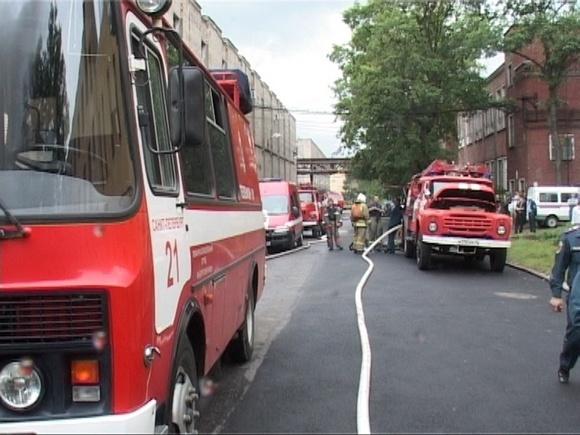 При пожаре в Петербурге погиб молодой сотрудник МЧС: Фото