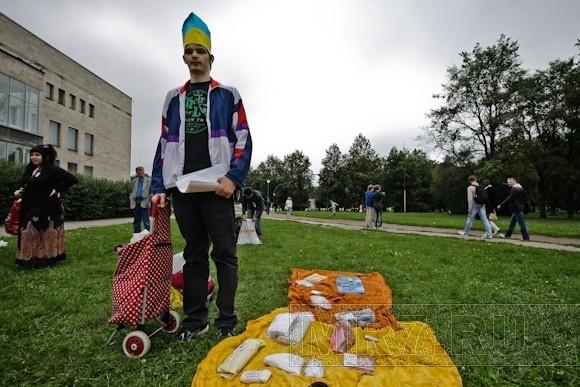В Петербурге друзья по интернет-сообществу обменялись подарками: Фото