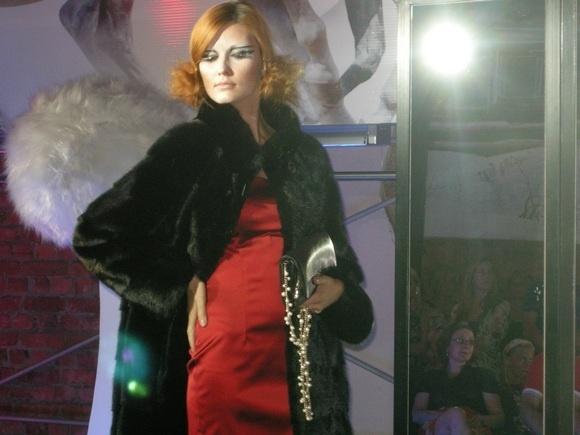 Иронические рассказы Ирины Бондаренко звучали в Галерее Высокой Моды: Фото