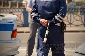 В Петербурге инспектора ДПС поймали на взятке