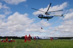 Петербургские спасатели тренировались в десантировании (фото)