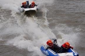 Катер на Москве-реке затонул из-за отказа двигателя