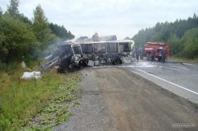 В страшной автоаварии на Урале погибли семеро