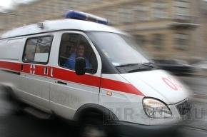При пожаре на Парнасе сильно обгорел мужчина