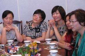 Делегация китайских женщин удивилась, что наши старики не танцуют