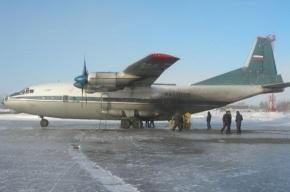 Транспортный самолет АН-12 мог взорваться в воздухе