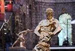 В Петергофе закрыли фонтаны: Фоторепортаж