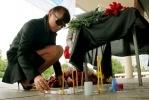 Фоторепортаж: «У «Юбилейного» петербуржцы поминают погибших под Ярославлем»