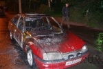 На улице Маршала Блюхера сгорела машина: Фоторепортаж
