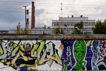 «Достоевский и космос»: на Школьной улице появилось 200-метровое граффити: Фоторепортаж