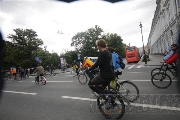 В Петербурге прошел велопарад в День Европы: Фото