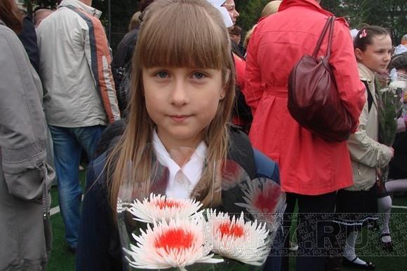 Первое сентября: за парты в России сели 1 млн 464 тыс 779 первоклассников: Фото