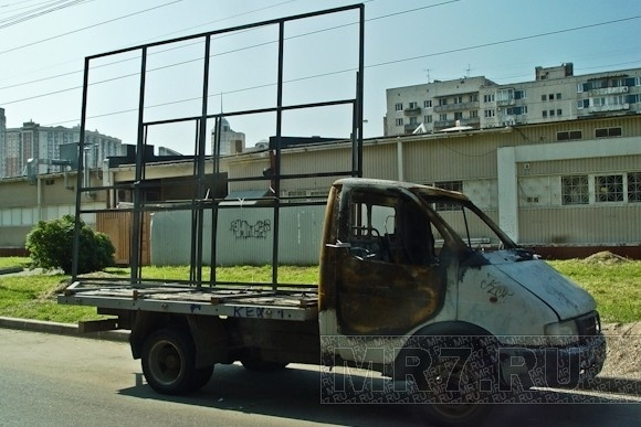 Спальные районы напоминают автосвалки: Фото