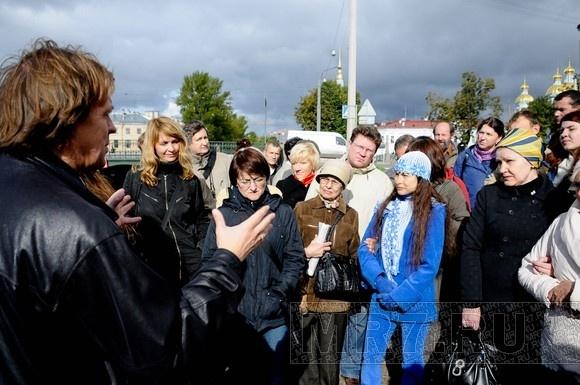 Художники встали на защиту Никольского рынка: Фото