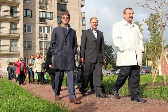 Инициативные горожане благоустроили свой кусочек Петербурга: Фото