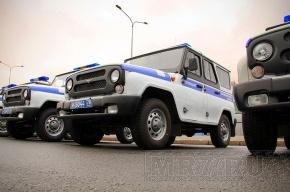 Петербургские полицейские спасли людей из горящей машины