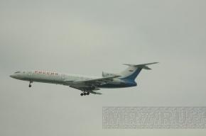 Самолет, летевший из Петербурга в Ростов, аварийно сел в Пулково