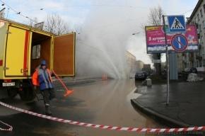 В Петербурге из-за фонтана кипятка эвакуировали жильцов дома